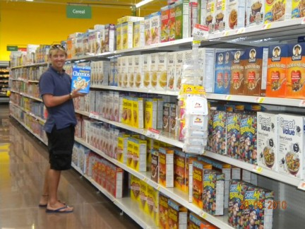 There was so so many cereal in an American supermarket, the choice is difficult.
