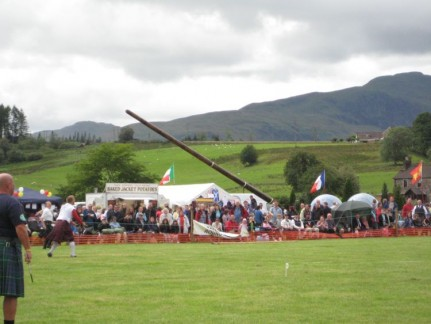 The idea is to throw the caber and make it do a forward somersault. The straighter it lands in line with the throwers the better the toss.