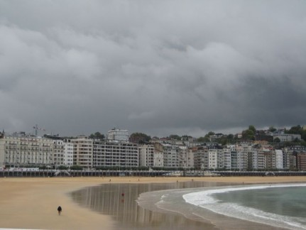 A grey old day in San Seb....