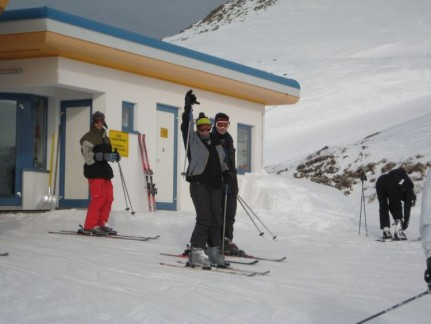 Dan and Mia about to take on the slopes