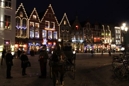 Brugge is equally as beautiful at night...