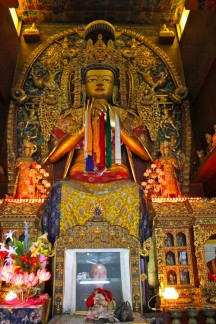 A huge statue of Buddha in the Boudhanath temple