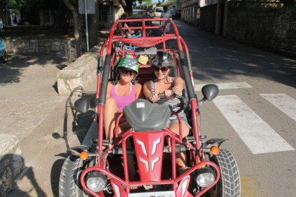 Liss and Katherine in their buggy